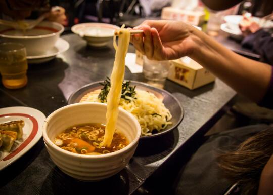 Eating the tsukemen