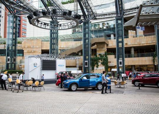 Car demo at Roppongi Hills