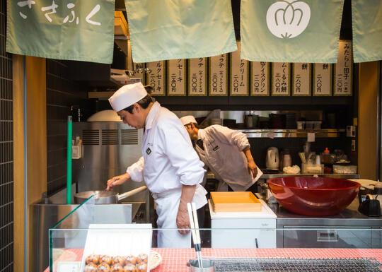 Man making pastries