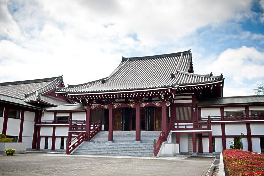 Side building at temple